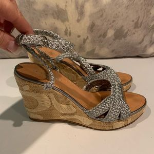 GORGEOUS COACH WEDGE / BRAIDED SANDALS SIZE 7